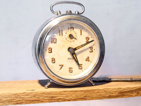 The very first JAZ alarm clock!(Paris – 1919) A piece of French industrial history...