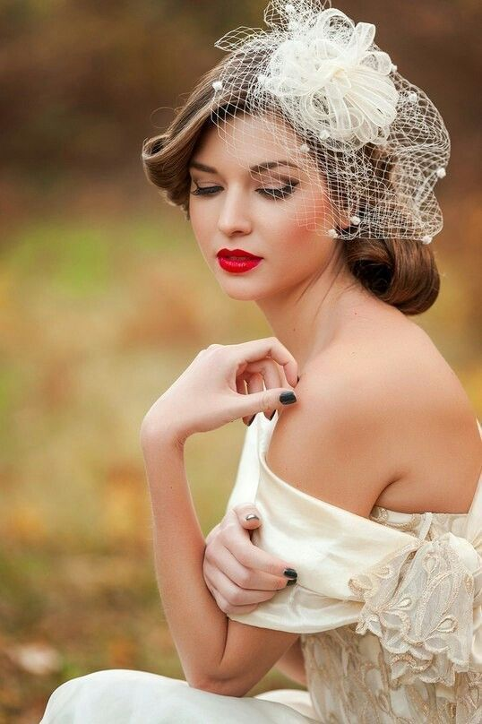 50+ Dare and Lovely Red Lips Makeup for Brides Ideas 43