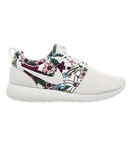 ... NIKE Aloha Roshe Run floral-print trainers (Aloha white |  Shoes,ARVNOUZM,