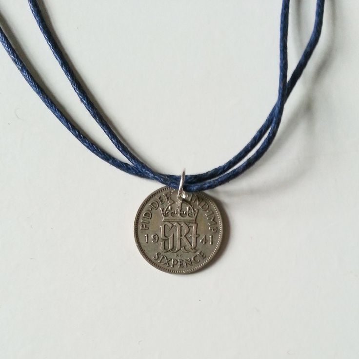 dainty coin choker/necklace via The Jewellery Box. Click on the image to see more!