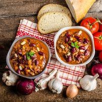 Mijn eigen recept losjes gecombineerd met elementen van andere chili-recepten op internet, plus een pittige versie zoals deze was ik nog niet tegen gekomen....