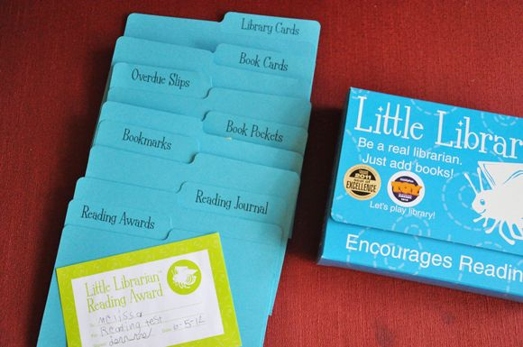 Little Librarian pretend play kit