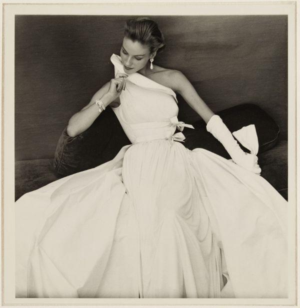 Evening dress by Madame Grès, 1954 / photo by Henry Clarke / Galliera, Paris.fr