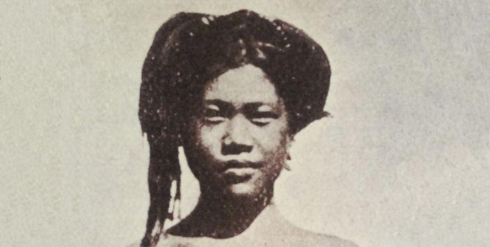 Imagen fotográfica mujer indígena (original), sin fecha