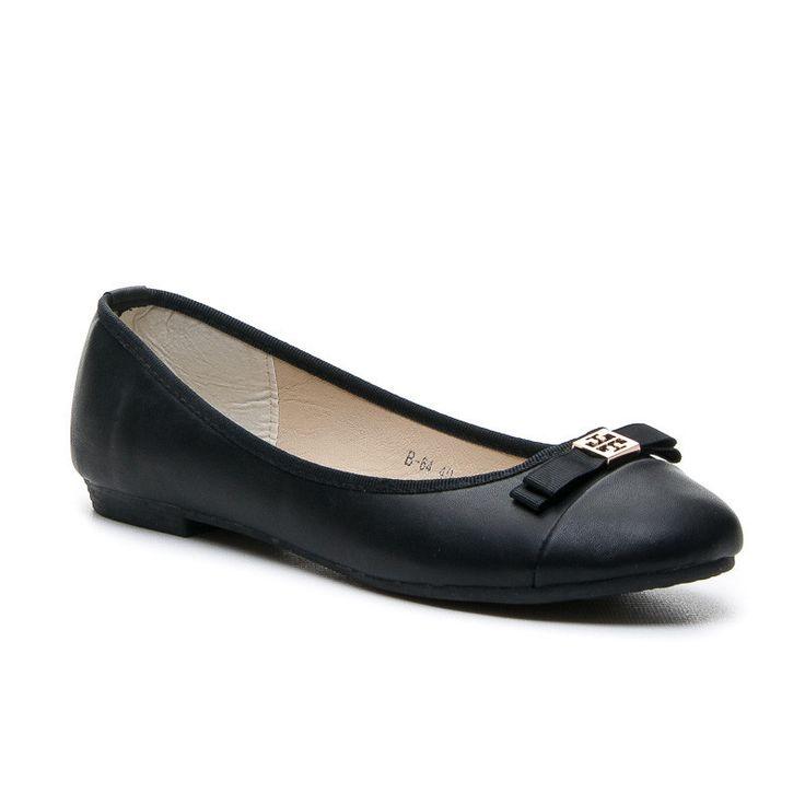 BALERÍNY - BLACK PRINT Krásné dámské balerínky. Špička boty z kontrastní černé eko kůže. Ozdbené mašličkou. http://www.cosmopolitus.com/baleriny-black-print-czarny-b64b-s39p-p-98549.html #Jarní #boty #Baleríny #levne #cernymi #hnedy #boty #Zimní