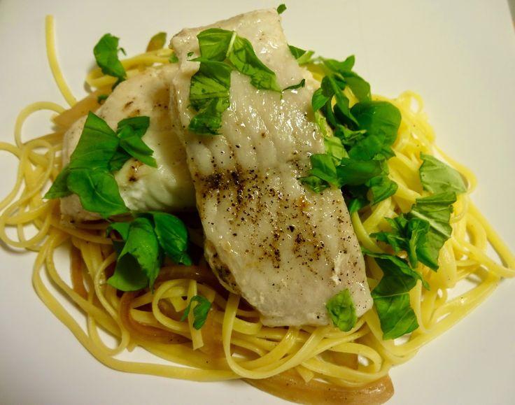 Edel's Mat & Vin : Stekt steinbit med tajarinpasta av egg og fennikel & løk i soyasaus ! Nydelig smakfull pastarett, som er rask og lage !
