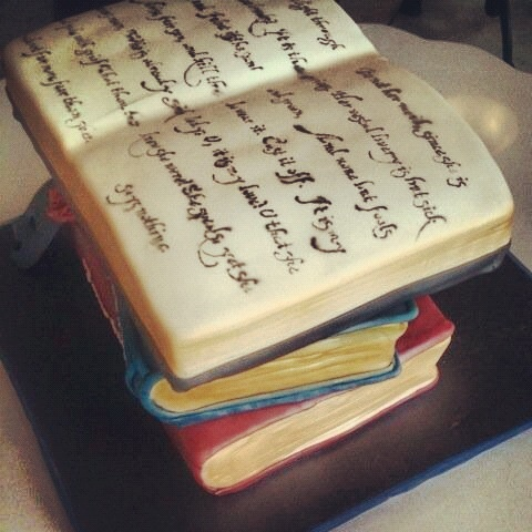 Shakespeare Book Cake Book Cakes Graduation Cupcakes Cake