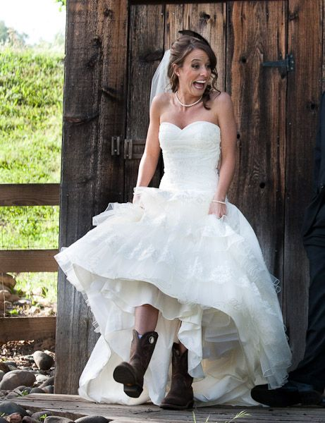 Cowboy style wedding dresses country wedding at tbs for Wedding dresses with cowboy boots