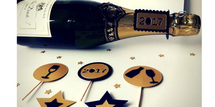 Piki do muffinek, zawieszki na butelkę szampana. DIY Sylwester, New Year's Eve