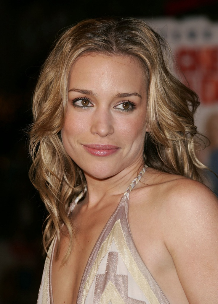 Piper Perabo. Great color