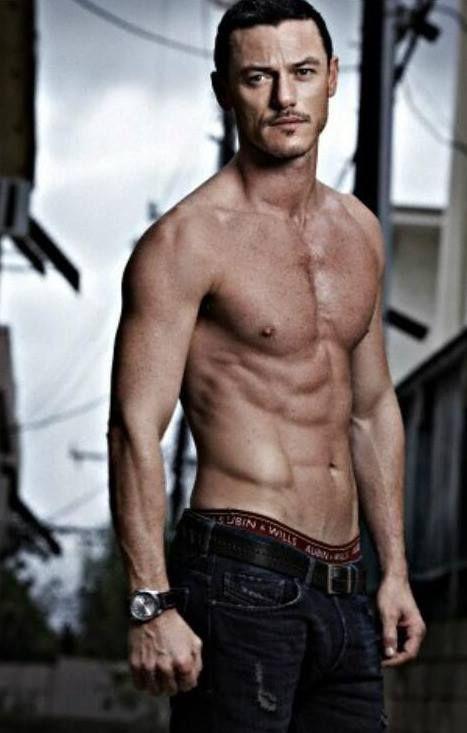 Luke Evans #mancandy #eyecandy #TheHobbit