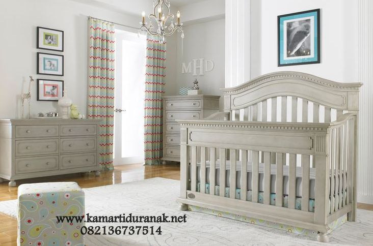 Set Kamar Bayi Klasik Minimalis Naurah