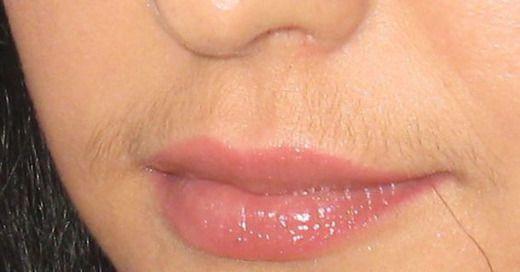 Один из доставляющих немало хлопот недостаток – «растительность» на лице. Усики над губой женщины не похожи на жесткий ус мужчины. Волос может быть в единственном числе или покрыть верхнюю губу пушком. Если он темный, женщины мечтают о способе, чтобы легко избавляться от усов навсегда. Я покажу способ, как в течение месяца избавиться от этого. Способ […]