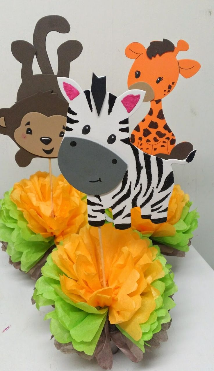 Best 25 safari centerpieces ideas on pinterest jungle for Baby shower safari decoration
