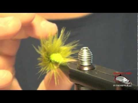Grass Carp Moss Fly Tying Video | How To Tie Grass Carp Flies. I need to try this guy in white to imitate some soggy bread.