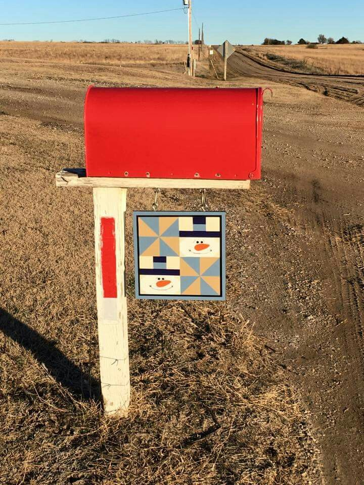 "Mailbox quilt.. I like the idea of little wood ""quilts"" for each ""holiday of season"""