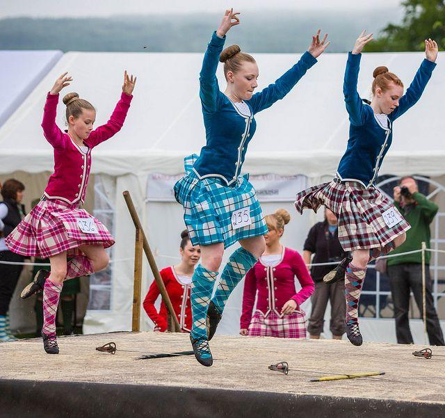 Highland Sword Dance at Tobermory Highland Games | Flickr - Photo Sharing! // On the left - kilt with raspberry jacket #macgregor #pink #tartan
