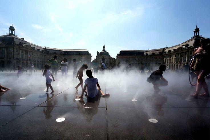 A Bordeaux, le miroir d'eau a toujours autant de fans.