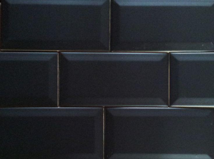 25 beste idee n over zwarte metro tegels op pinterest witte metro tegels metro tegels - Rode metro tegel ...