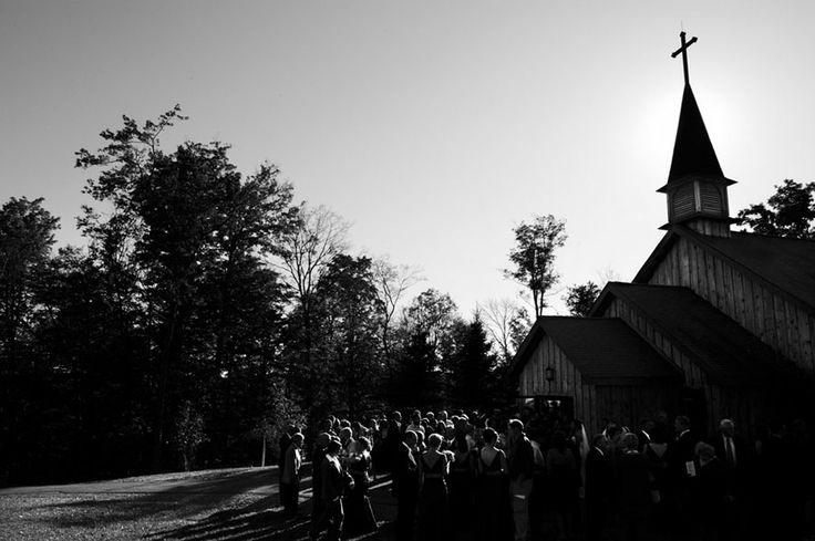 A church wedding. Wedding photography.