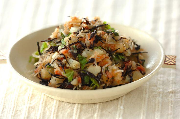 ジャガイモは満腹中枢に働きかけ、早い段階で満腹感を得ることができるのでダイエットにおすすめです。和風ポテトサラダ[和食/サラダ・おひたし]2011.06.24公開のレシピです。