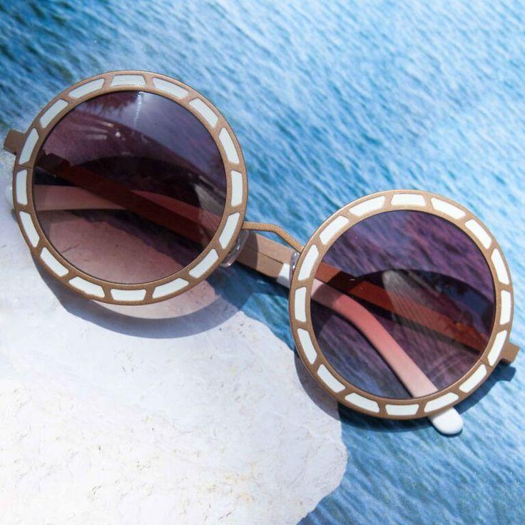 round! :: because sunglasses make me happy