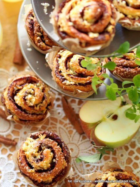 buleczki-drozdzowe-muffinkowe-z-cynamonem-i-jablkami
