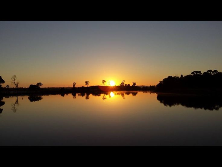 Sunrise on the Tambo River