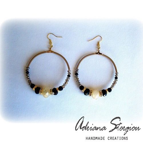 Hoop earrings with glass beads and strass
