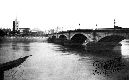 Putney Bridge 1910