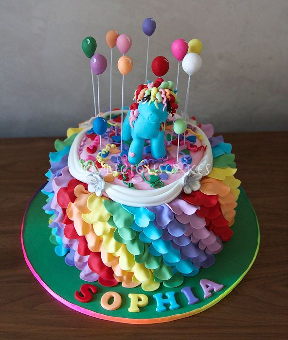 Rainbow Dash Cake Design : 188 best images about My Little Pony Cakes on Pinterest ...