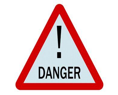 ¡CUIDADO CON SOMETERTE A DEPILACIÓN LÁSER EN UN LUGAR NO AUTORIZADO! Existen muchos riesgos asociados al someterse a un tratamiento como la depilación láser en un lugar que no cumpla con todas las normas de salud y de seguridad que se exigen, por eso en CELA quisimos alertarte de los peligros que implica una mala decisión.  Para contar con una voz autorizada en este tema, conversamos con la doctora Patricia Ahumada, Director Técnico de CELA.