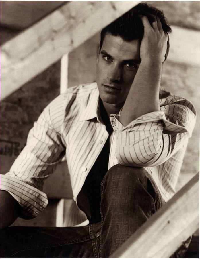 David Entinghe is beautiful.