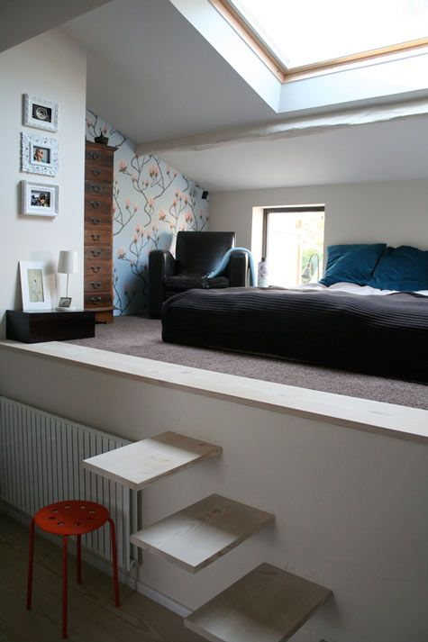 Bedroom was initially a shelter with access from the garden. A huge wall taken down and three windows added to include this room in the house. The room is now more a mezzanine above the wine cellar, & the steps made specially to avoid using too much space on a staircase.
