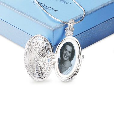 Newbridge Silverware M O'Hara Clear Crystal Locket