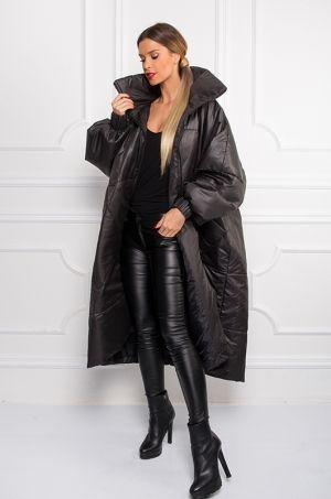 Oversize predlžený kabát čiernej farby s potlačou na zadnej časti