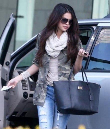 womens jeans styles 2013 | selena gomez 2013 jacket jeans bag Selena Gomez 2013