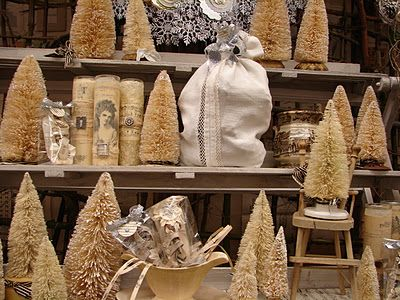 Monticello antique Marketplace - Christmas