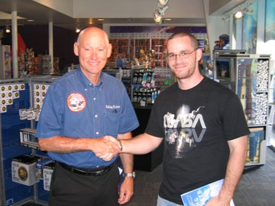 Back in 2006 we tried to catch Atlantis (STS-115) but it was scrubbed due to a lightning strike.  However, I was able to meet Mike Mullane; a real live astronaut!  I'm holding his book there.  It was a great candid read and glimpse into what astronauts go through during their careers.  Damn, I need to go on a diet - I don't look like that anymore. haha