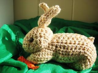 Amigurumi lukni (from crocheted square) DIY