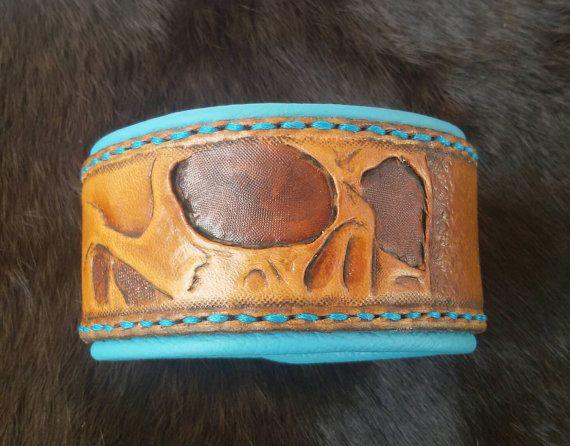 Lederarmband, Armband mit Skull/Totenschädel  https://www.etsy.com/de/listing/455796686/armband-totenkopf-leder-turkis