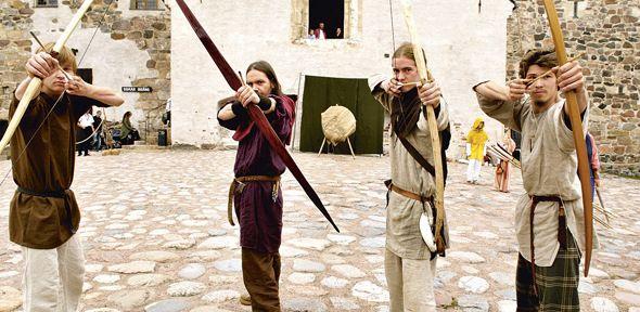 Archery in the mediaval happening in Turku Castle