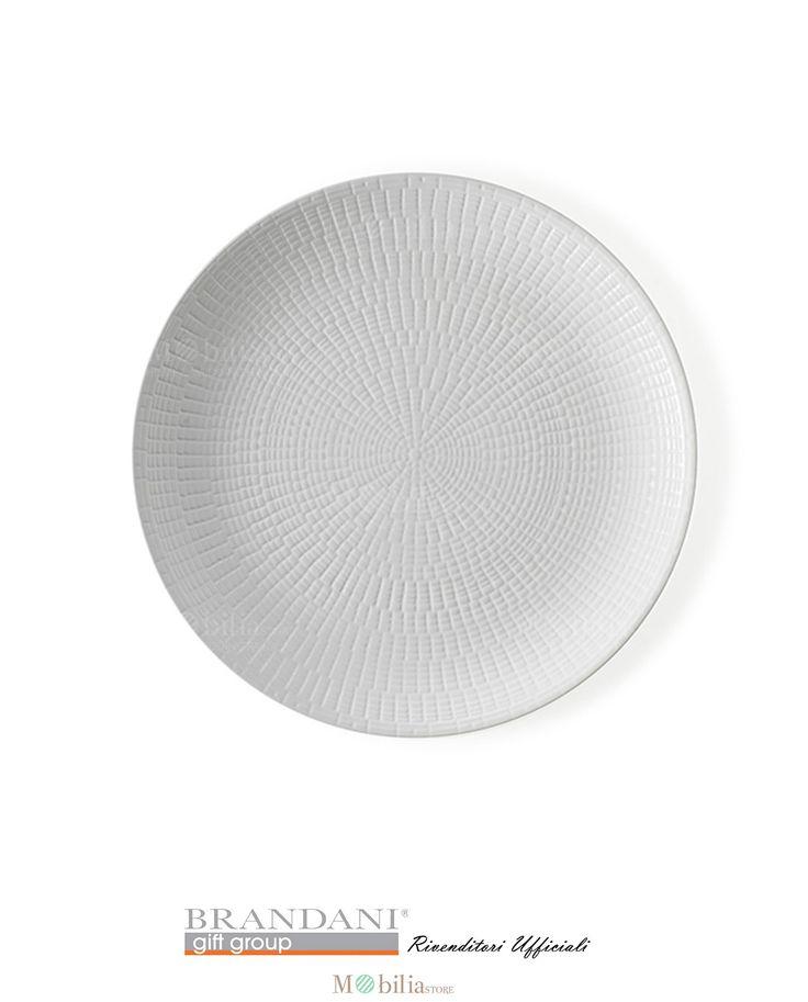 Brandani Set 4 Piatti Moderni Granaglie Bianchi, realizzati in stoneware una ceramica leggera e resistente, finemente realizzati con decori geometrici dalle linee semplici ed armoniose, le quali formano delle casellature raffinate e ben distribuite che ne esaltano il colore.