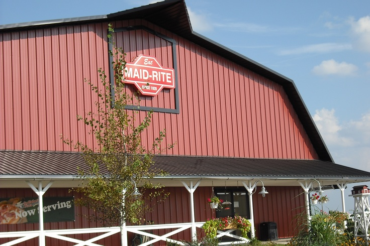 This is the Iowa Welcome Center/Maid Rite/Amish Country Store in Lamoni, just off 1-35 near the Missouri/Iowa border. In addition to having a good meal at Maid-Rite, you can shop for Amish foods, handmade rugs, kitchen goods, and other household items and gifts.