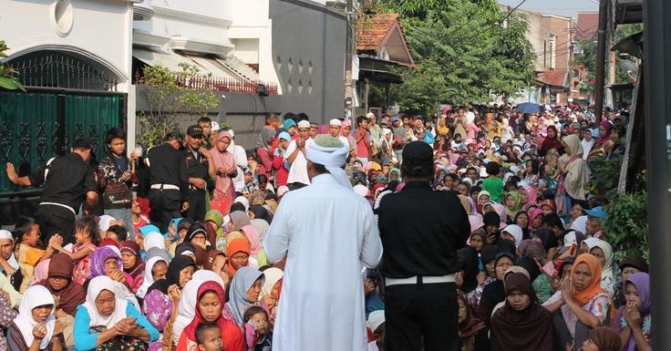 Pengajian Bulanan Duafa yang di hadiri ribuan jamaah di MP X 99
