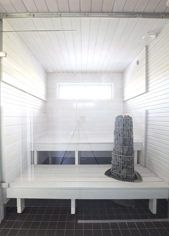 Valkoinen sauna.