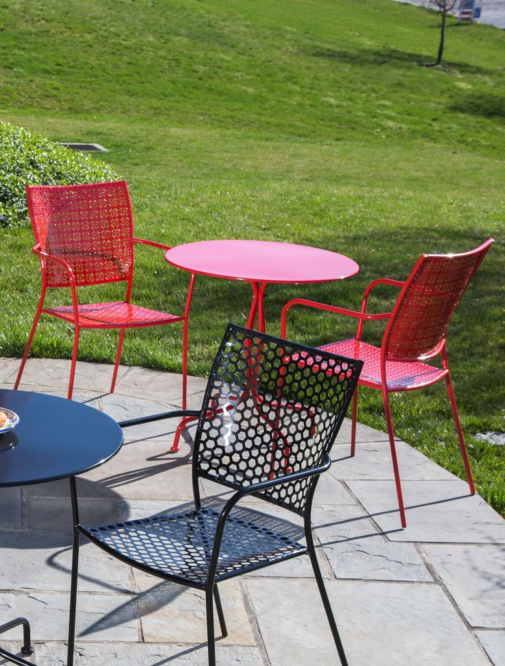 Bistro Patio Set In Red, Green Or Black Steel   Gardeners.com