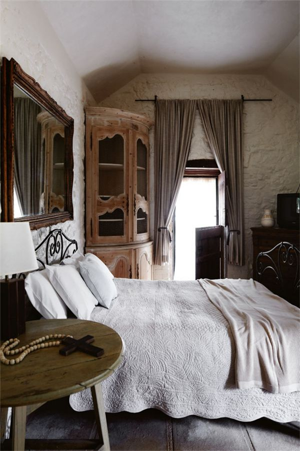 zsazsa bellagio like no other bedrooms pinterest rustic chic bedrooms furniture and. Black Bedroom Furniture Sets. Home Design Ideas