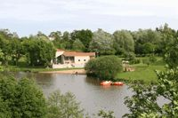 The Camping de Coulvée is a wonderful french campsite in the countryside, located near Vendée and near the Loire Valley, in Anjou.
