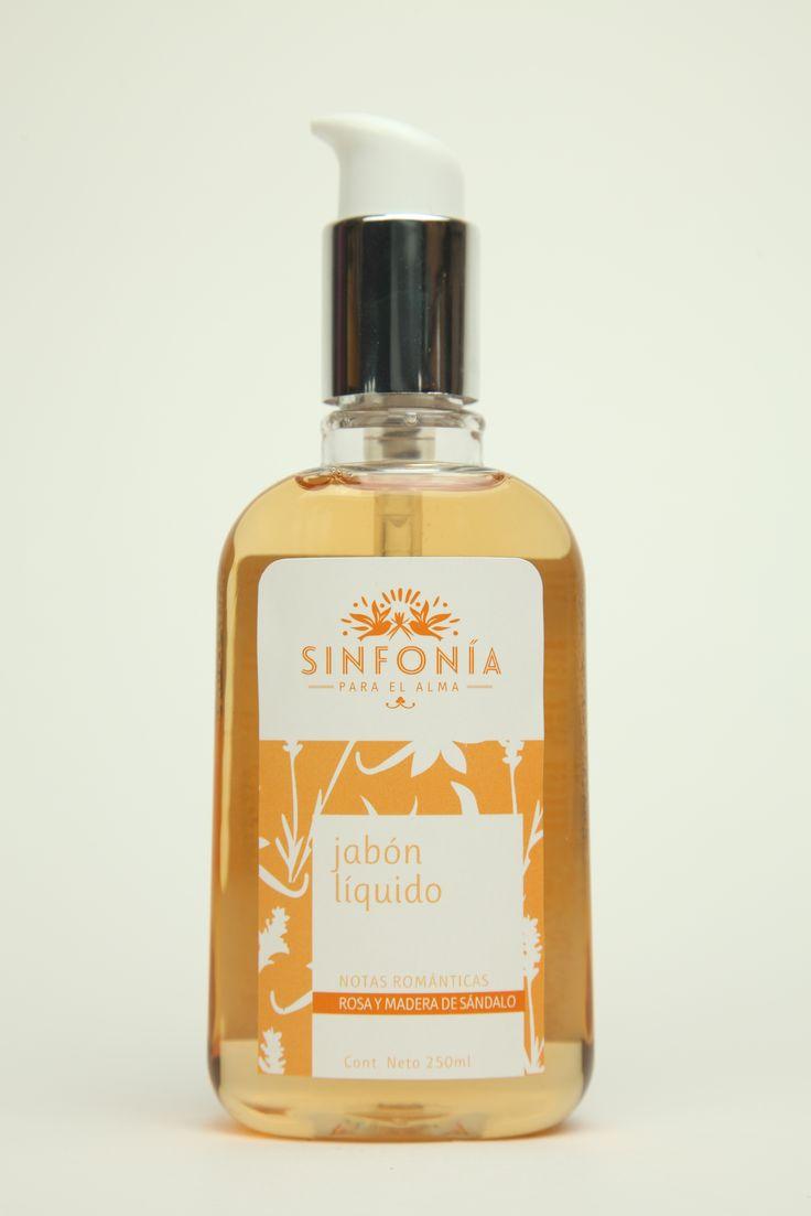 Jabón líquido para manos y cuerpo con extracto de bambú y algas marinas.